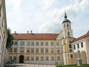 Kardinal-Döpfner-Haus-Freising